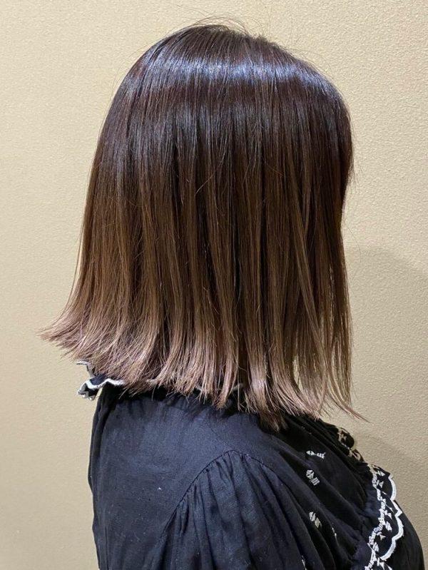 黒髪ベースにマッチする艶感グラデーションカラー