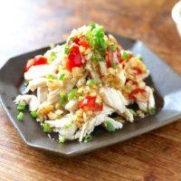 柔らかくてジューシな鶏胸肉の作り置きレシピ集。パパッと簡単&人気メニューをご提案