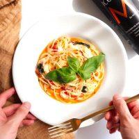夜食にササっと作れるパスタのお手軽レシピ。小腹が空いた時や、一息つきたい時に