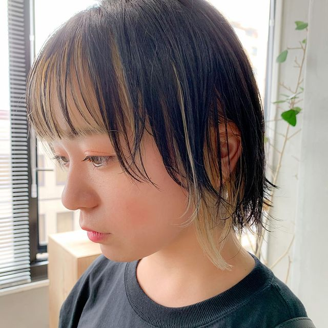 トレンドライクな前髪インナーカラー