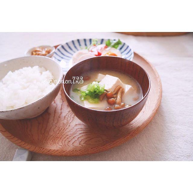 ダイエットにおすすめ!豆腐となめこ