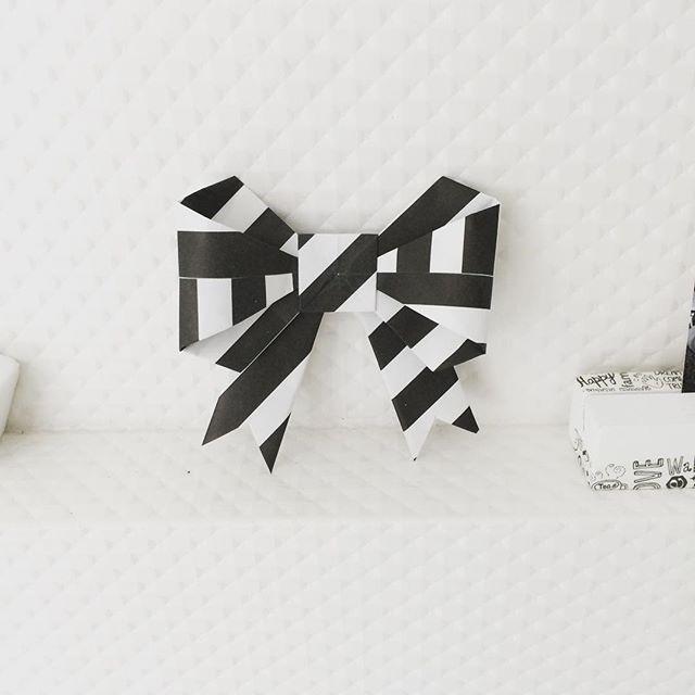 デザインペーパーで作る折り紙のリボン