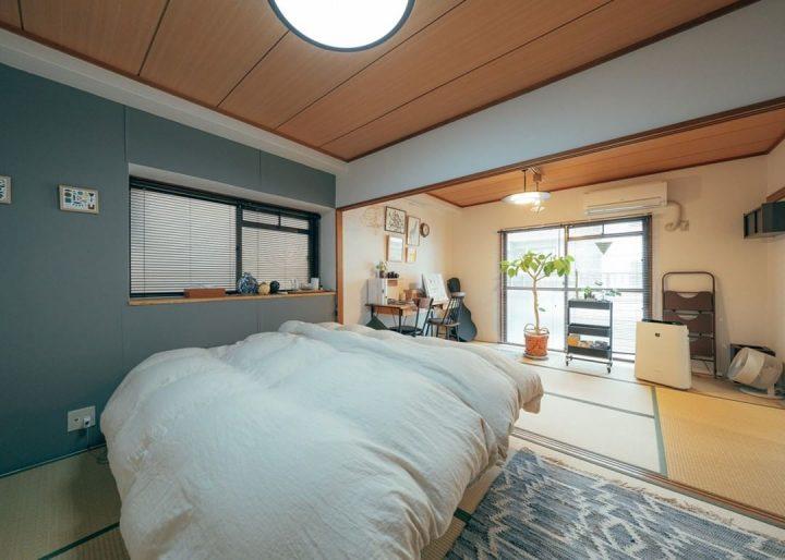 濃いめグリーンを寝室に使う人気の壁紙