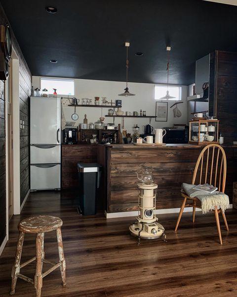 ウッドカウンターがおしゃれなキッチン