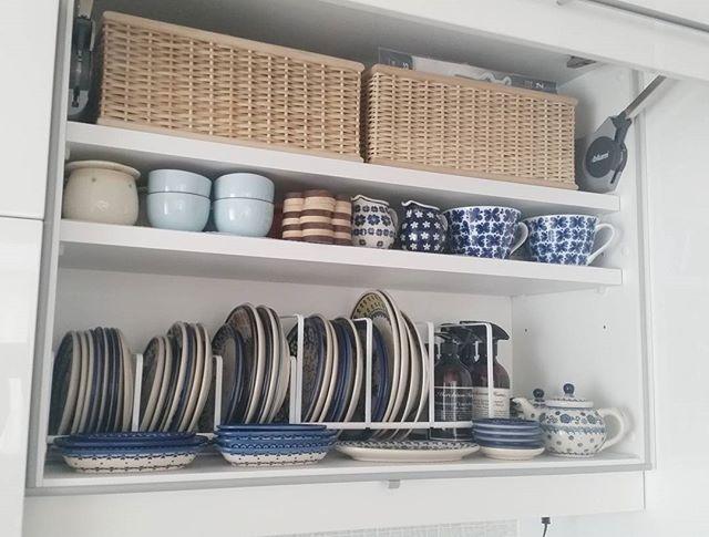 ディッシュラックに大皿を立てる収納