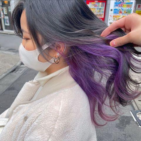 暗色髪と相性抜群のパープルインナーカラー