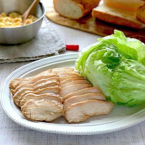 柔らか醤油麹サラダチキン