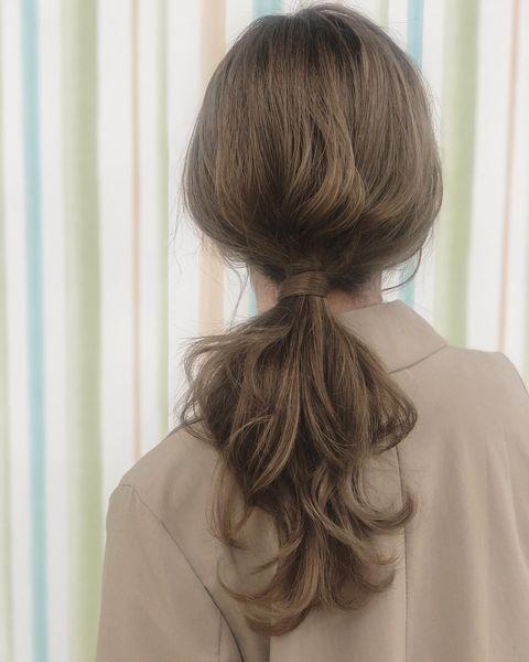 後ろ姿も魅力的な大人女性ポニーテール10