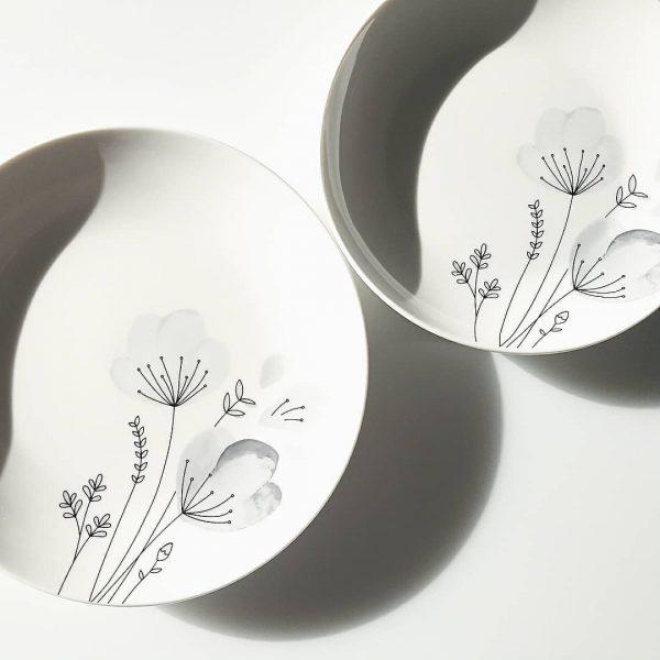 水彩花デザインのお皿