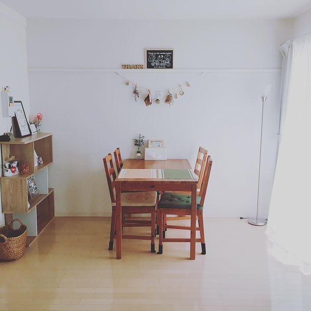 最低限のものを置く北欧系な部屋