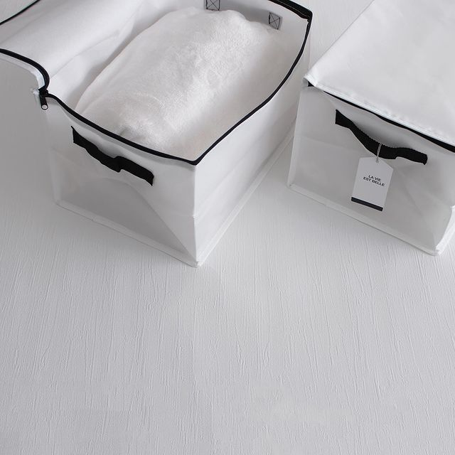 シンプルなボックス型収納バッグ