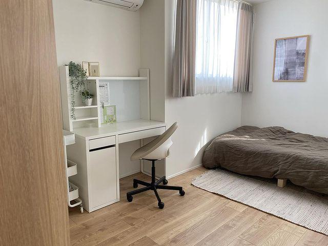 狭い部屋でもできる北欧系な部屋