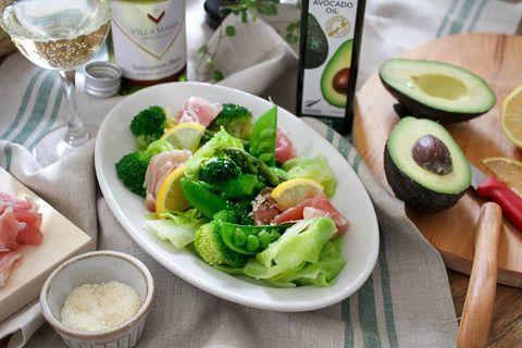 簡単レシピ!アボカドオイルの生ハムホットサラダ