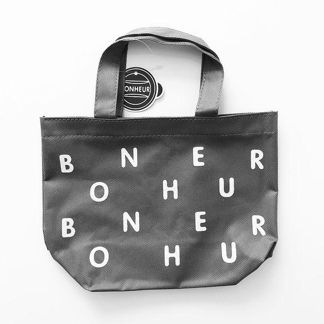 ボヌールシリーズのバッグ