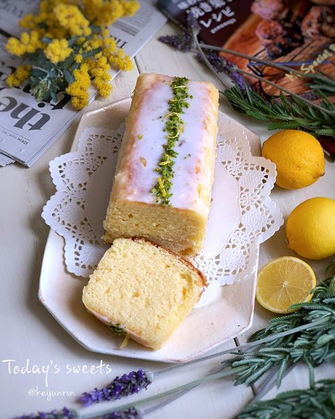 バターレモンケーキ、アイシング、ピスタチオ、パウンド。