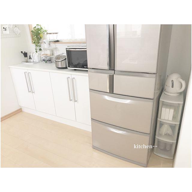 冷蔵庫横の引き出しボックス