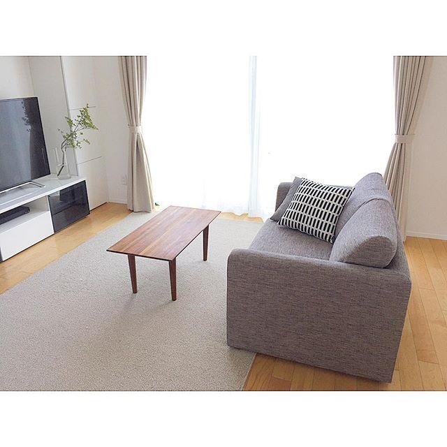 南リビングの家具は高さを揃えて配置