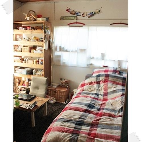 壁面収納が叶えるこだわり詰まったベッドルーム