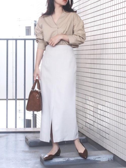 GUシャツ×タイトスカートのきれいめ春コーデ
