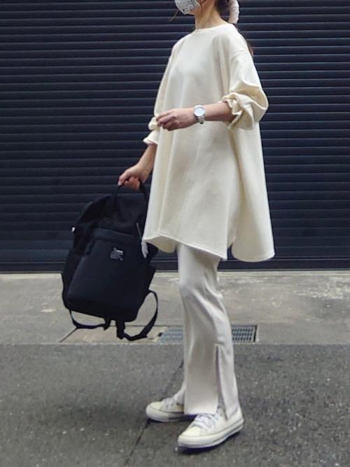 [White Collection] ZOZOTOWN限定アイテム!【2021SS新作】スリットデザイン・センタープレス入りセミフレアパンツ