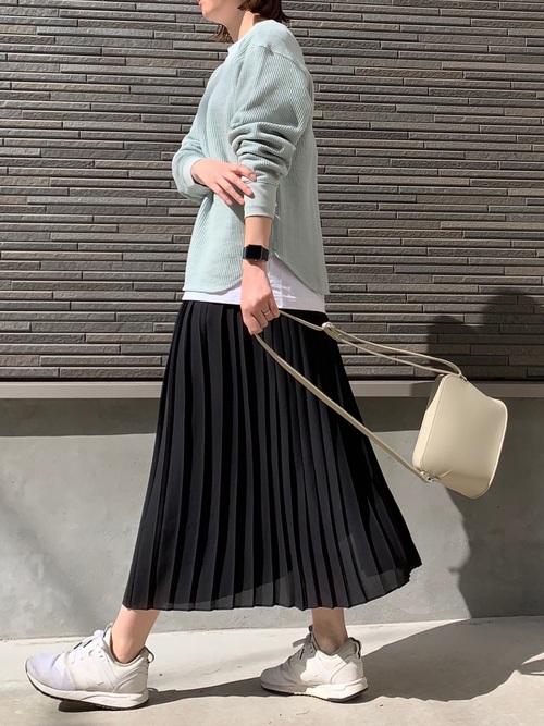 ユニクロの黒プリーツスカート②