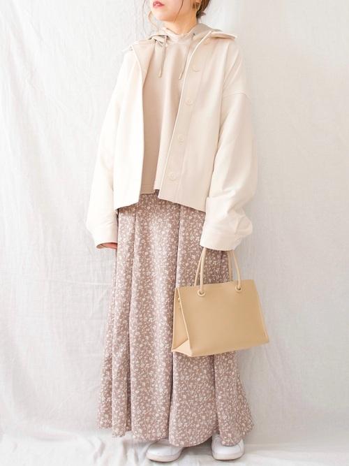 しまむらの小花柄スカート