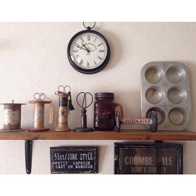 アンティーク風のレトロな壁掛け時計