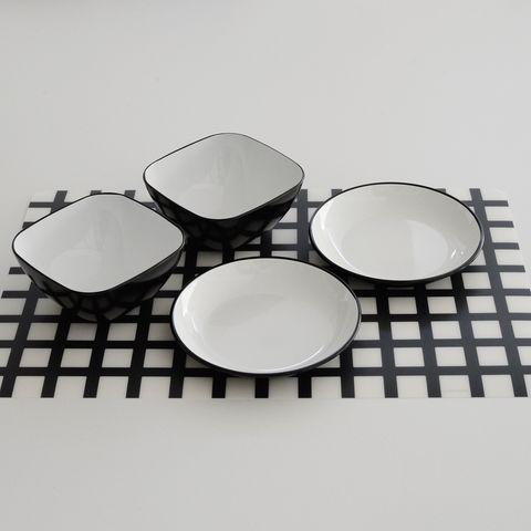 平皿を使うアクセサリー収納