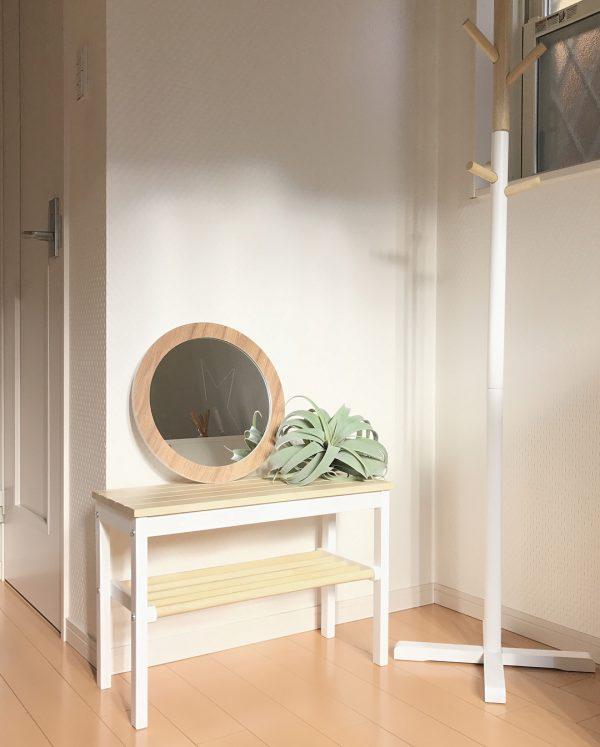 ナチュラルな玄関におすすめのおしゃれな鏡