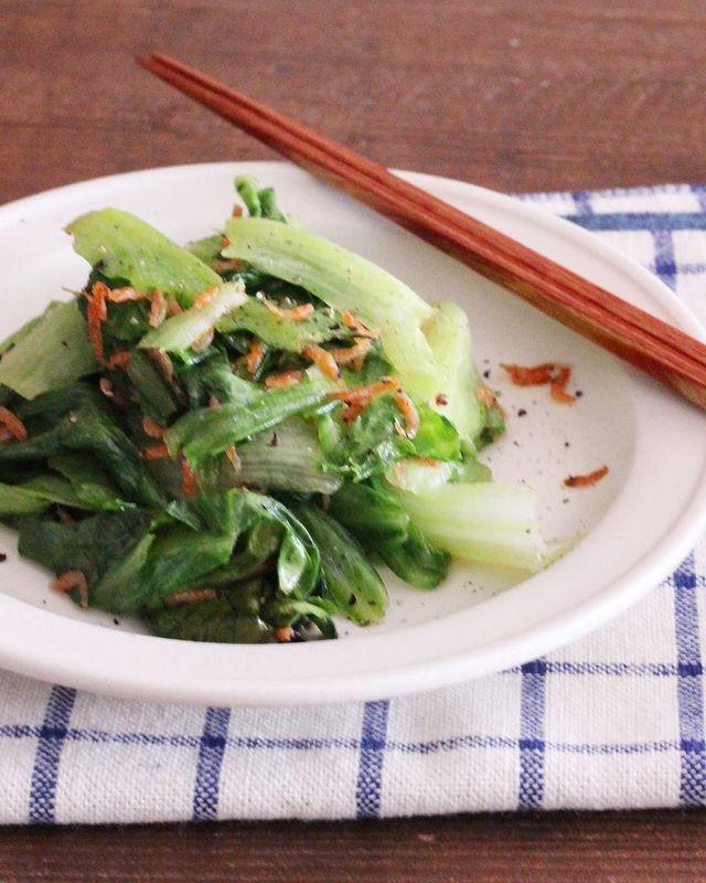 旨副菜♪レタスとあみえびのごま油炒めレシピ