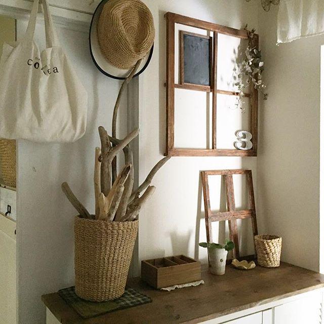 シンプルで可愛らしい窓枠