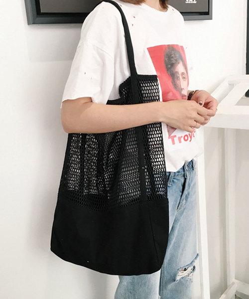 涼しげな見た目と実用性を両立させたバッグ