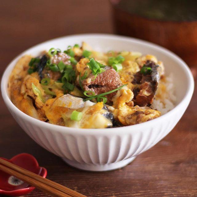 鯖味噌卵とじ丼