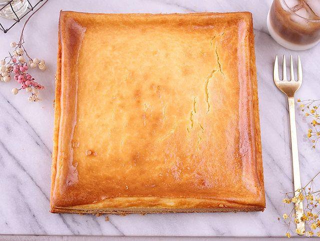 四角いチーズケーキ