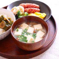 ヘルシーで栄養◎な味噌汁のダイエットレシピ。具材を変えて満腹感もアップ