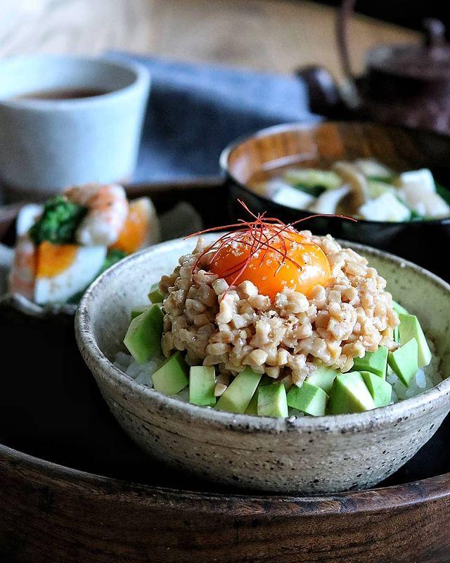 大満足トッピング!アボカド×卵×納豆レシピ