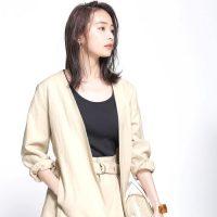 夏のオフィスカジュアルは「ジャケット」が万能。2021年の大人女性の着こなし術