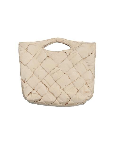 人気のパッド素材がトレンドライクなバッグ