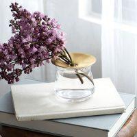 花を美しく飾れるガラスの一輪挿し15選。一輪をおしゃれに演出できるおすすめ品