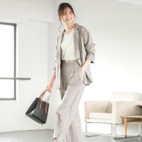 営業×女性の春の服装特集。仕事ができる女性がするマナーを守った春のおしゃれ