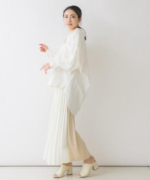ホワイトワイドパンツ×シャツ