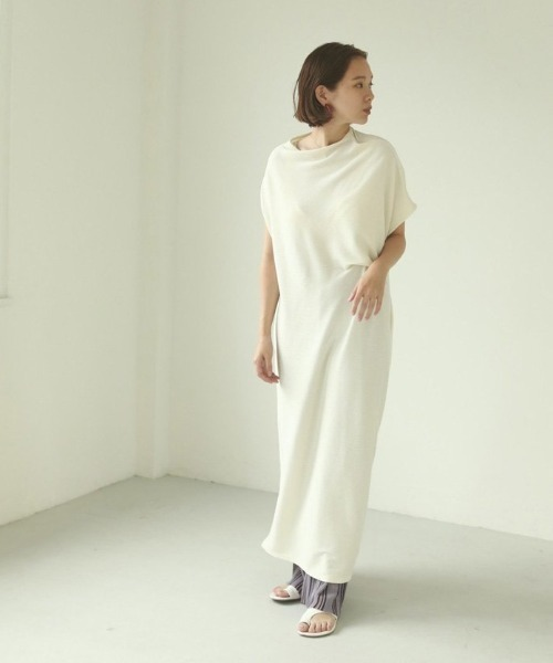 アシンメトリーラフドレス