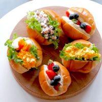 ロールパンサンドの簡単レシピ15選。定番〜変わり種までおしゃれに作れる人気メニュー