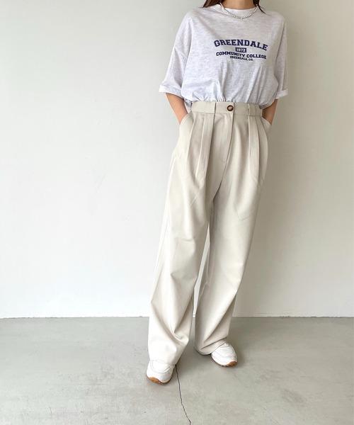 via j(ヴィアジェイ) 'GREENDALE'半袖Tシャツ