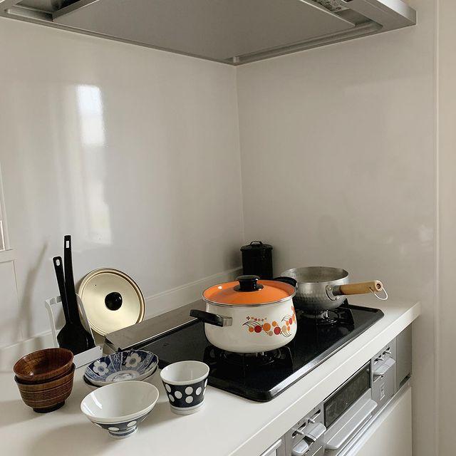 レトロなお鍋や食器が食卓をおしゃれに