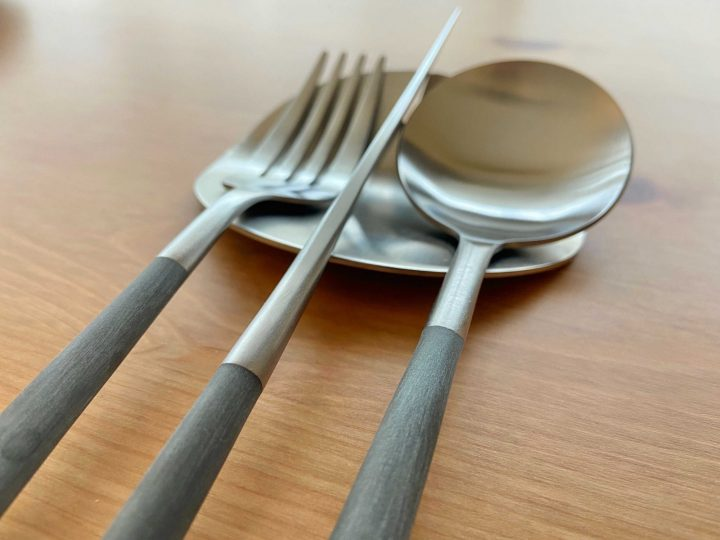 カトラリーレストで食卓もスッキリd