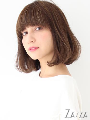 ふんわり感が可愛い広め前髪の髪型