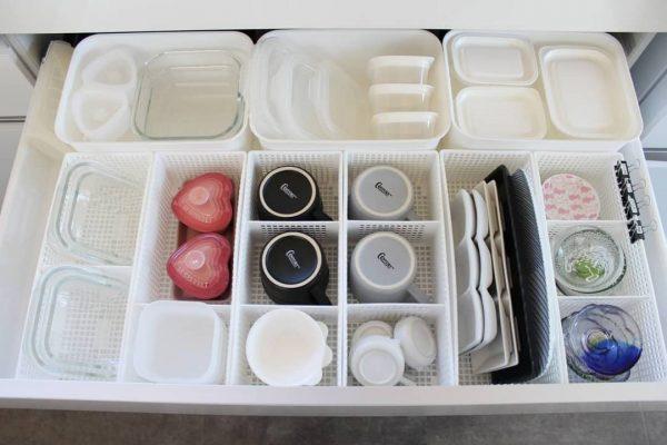 食器のサイズにぴったりのセリア仕切ケース