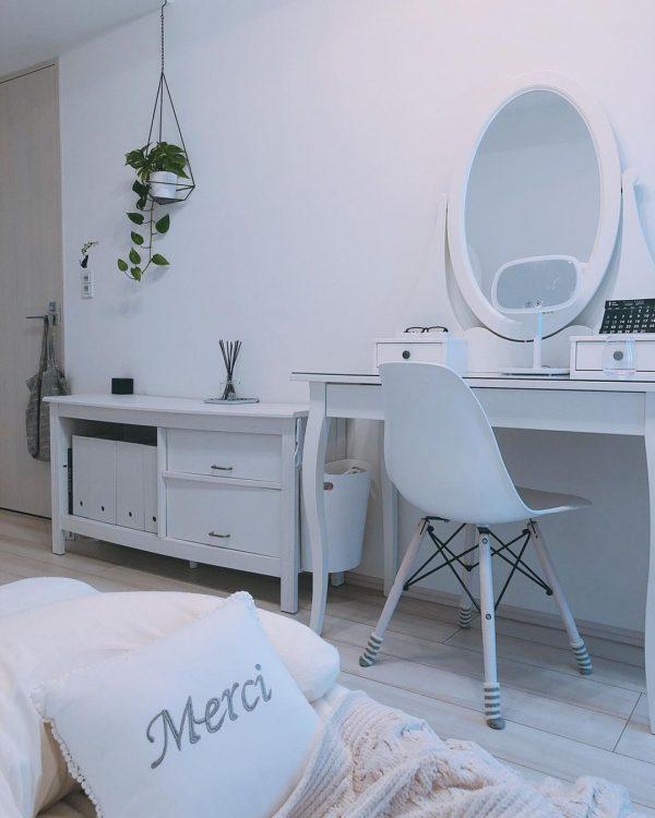 白い家具で統一したコーディネート