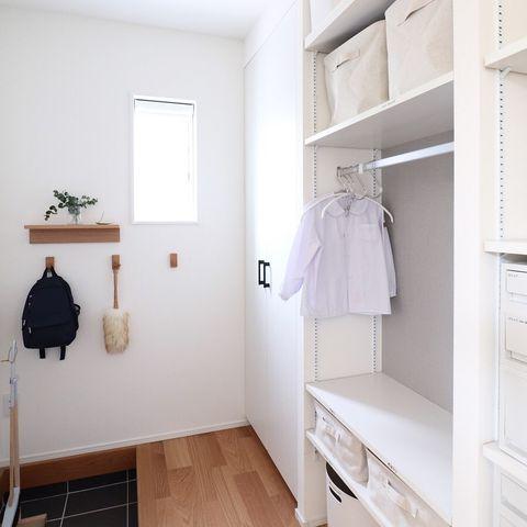 壁に付けられる家具シリーズ